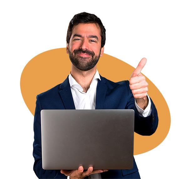 business man con computer indica alla sua destra