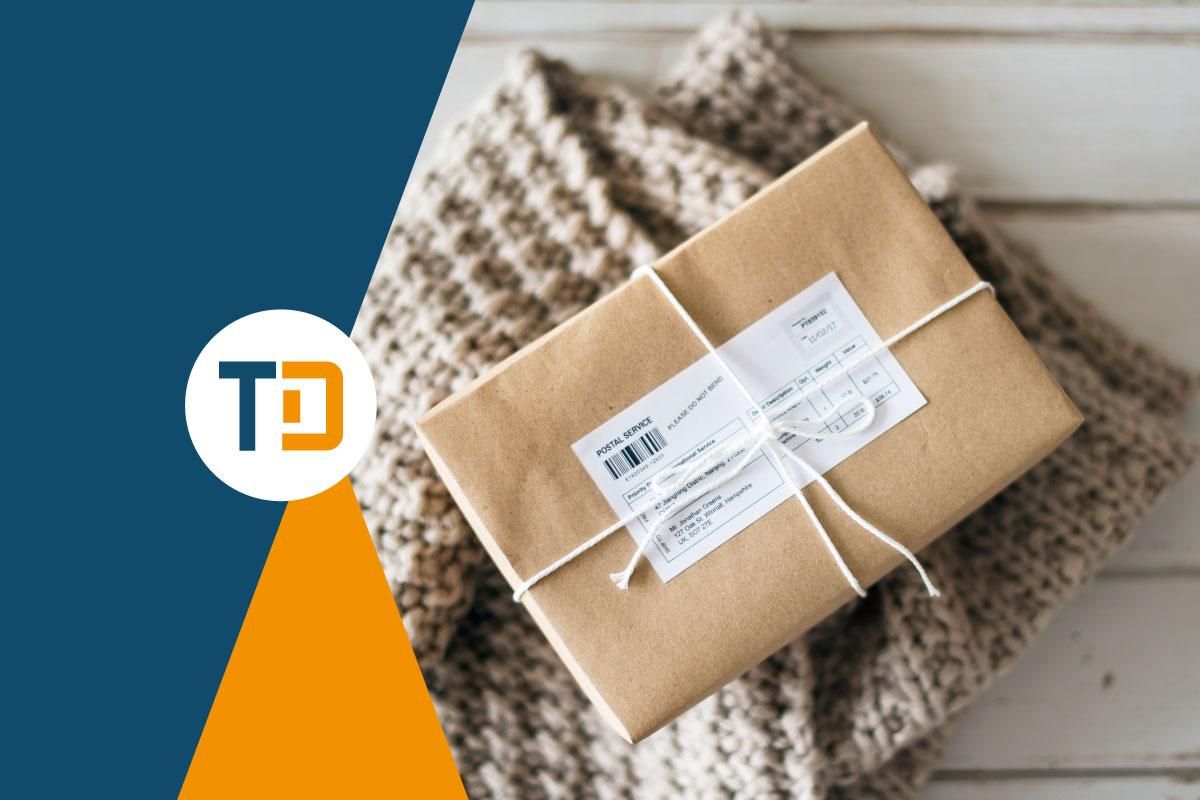 fattura accompagnatoria su pacco da consegnare